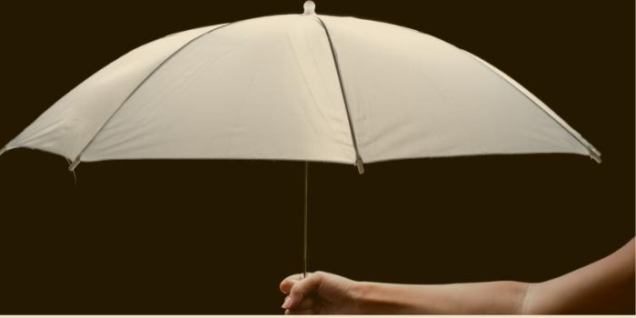 Schutz-aus_der_ferne_Schirm